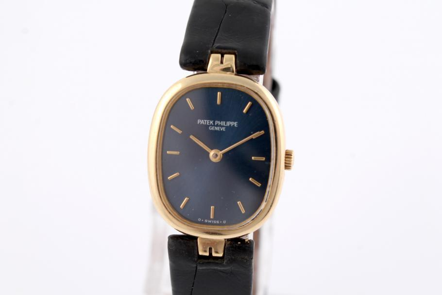 Patek Philippe Ellipse Damenuhr Ref. 4764 in 18K Gelbgold