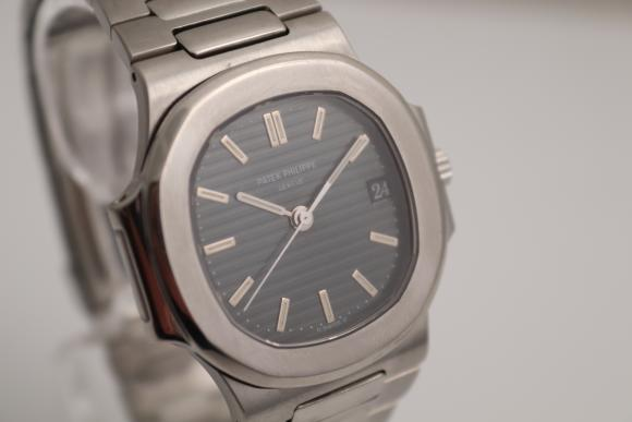 Patek Philippe Nautilus Ref. 3800/001 with new service