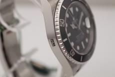 Rolex Submariner Date 40mm unworn