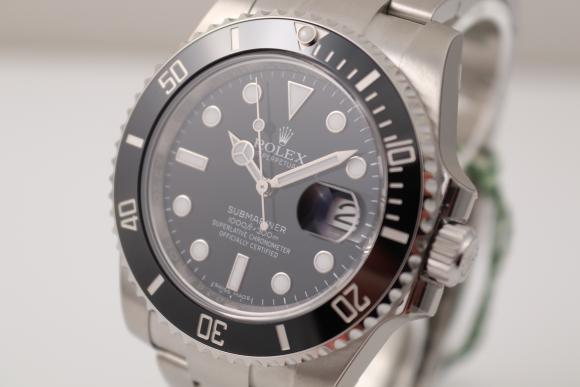 Rolex Submariner Date 40mm unworn