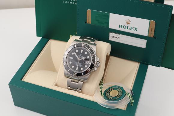 Rolex Submariner Date unworn 2019