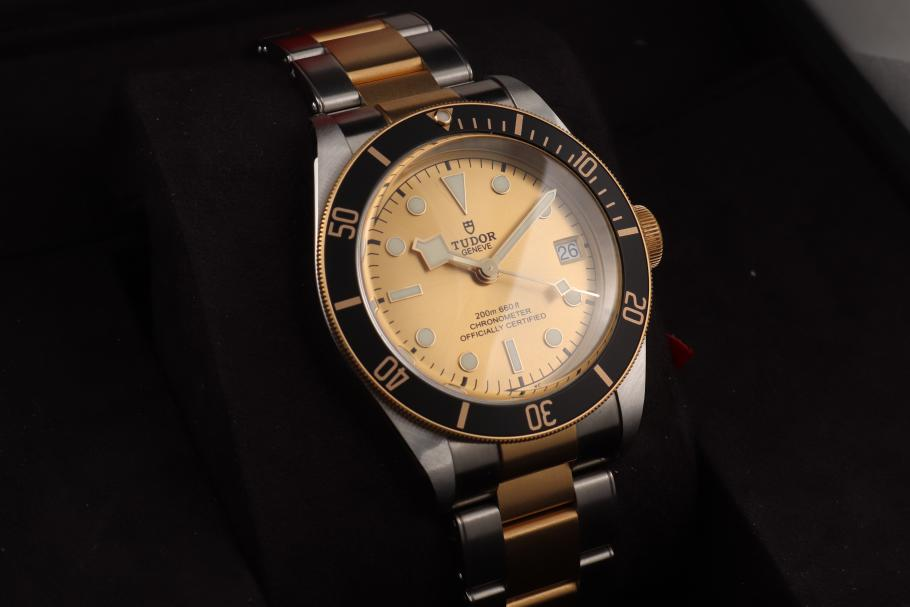 Tudor Black Bay steel/ gold