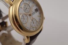Movado Chronograph in Gelbgold